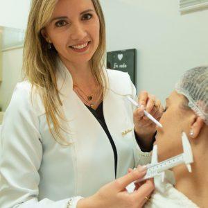 Preenchimento para contorno facial (contorno mandibular)